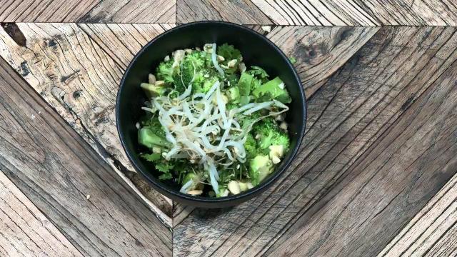 Receta de Ensalada de brócoli thai. Las recetas de sushita.
